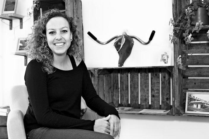 zakelijk portret zwart wit wooncorporatie Breda Maastricht AlleeWonen